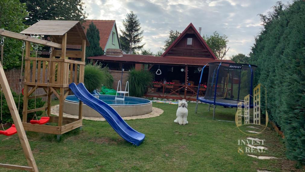Rezervované | Invest & Real | Chata na celoročné bývanie s bazénom, Košice-okolie, Geča