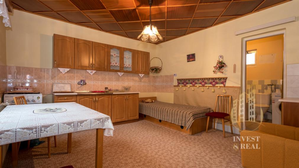 Invest & Real | Na predaj 4-izbový rodinný dom v obci Budulov - REZERVOVANÉ